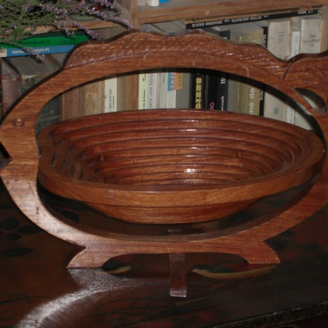 Panier à fruits chinois en bois qui se replie en dessous de plat !