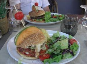 Choisir plus souvent un délicieux hamburger provençal aux légumes plutôt qu'un hamburger à la viande !